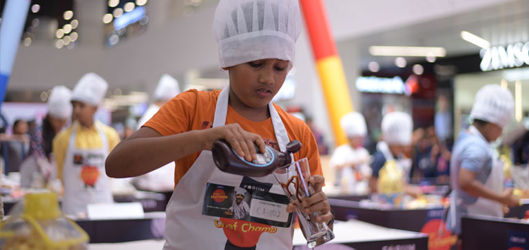 Kids whip up delicious recipes at Forum Junior Chef