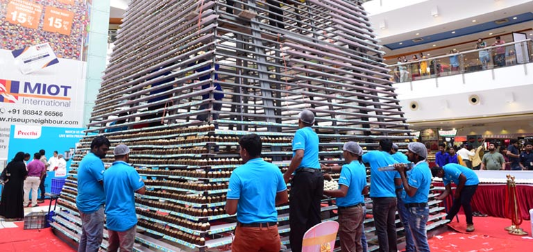 Guinness World Record for the tallest tower of cupcakes